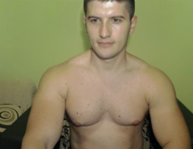 Come Chat with Hot Live Amateur Men at Cams.com