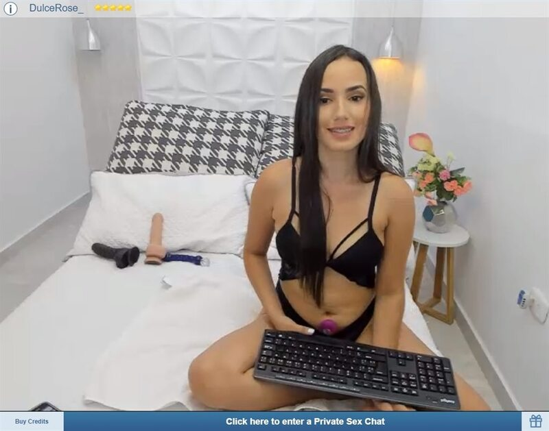 Young cam girl with braces on ImLive