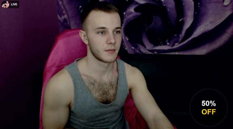 Ripped young male model on LiveJasmin
