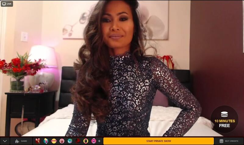 Dark skinned Asian cam model on LiveSexAsian