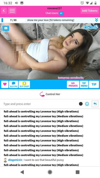 CamSoda vertical view of chat room on mobile