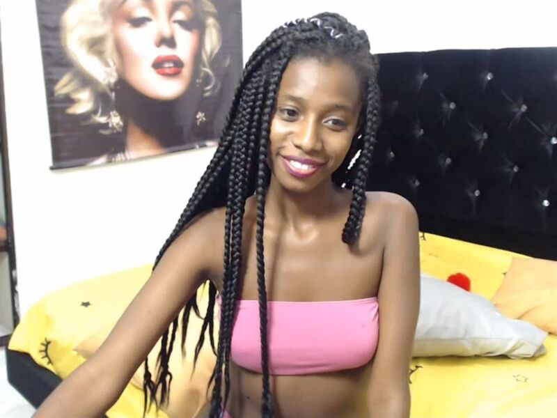 Young black girl on cam at MyFreeCams