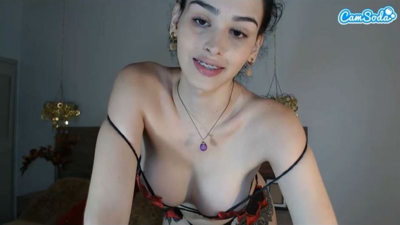 Gorgeous young tranny with braces on CamSoda
