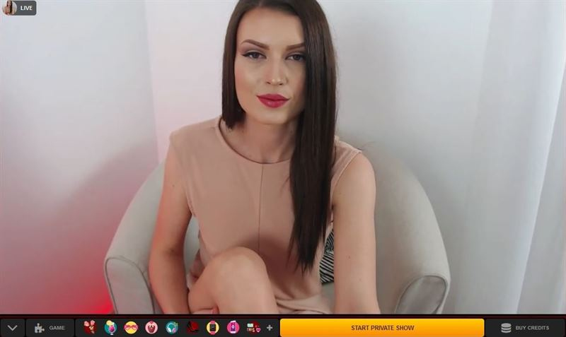 Beautiful and slender webcam model flirting with members on LiveJasmin
